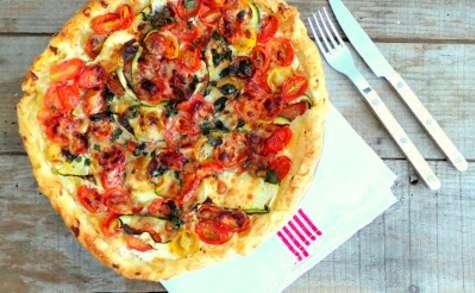 Tarte aux tomates cerise, courgettes et parmesan