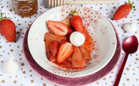 Rhubarbe et fraises rôties