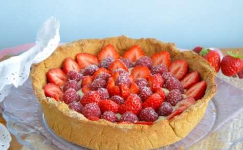 Tarte pâtissière fraises et framboises à la polenta