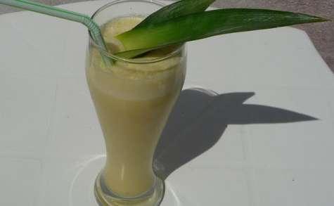 Smoothie glacé ananas thé vert vanille