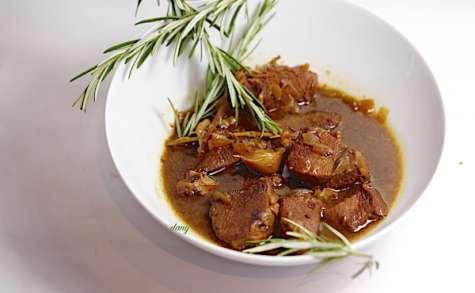 Mijotée de veau à l'ail et au romarin