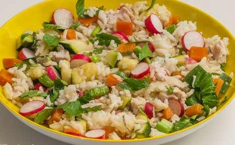 Salade de riz à la dinde et aux légumes d'été