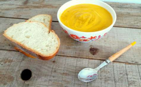 Soupe carottes, radis et lait de coco
