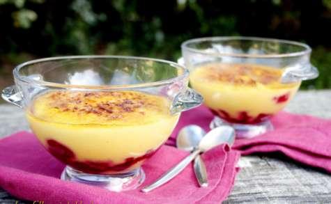 Petites crèmes aux framboises façon crème brûlée