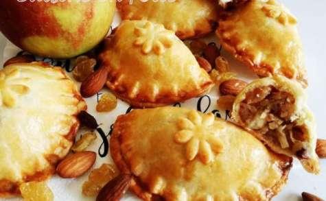 Chaussons aux pommes, raisins, amandes et sucre muscovado