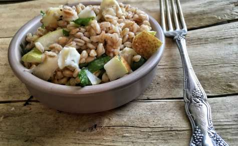 Salade de farro aux poires et gorgonzola