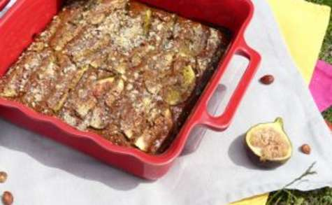 Gâteau aux figues, éclats de noisettes et à la farine de châtaigne