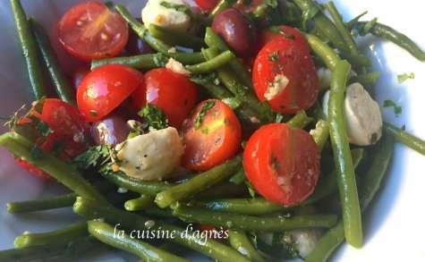 Salade de haricots verts frais à l'ail nouveau
