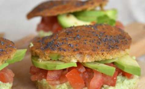 Pains burgers au paprika et guacamole