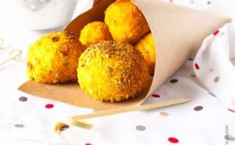 Croquettes de pommes de terre en chapelure sans gluten d'herbes