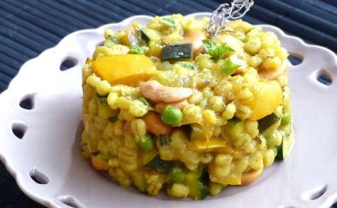 Curry d'orge perlé au pâtisson, à la courgette et aux petits pois