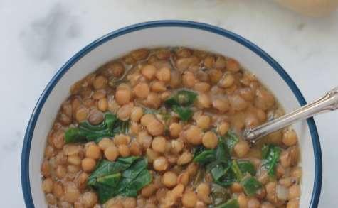 Soupe de lentilles aux épinards et citron