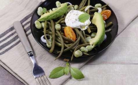 Salade de haricots verts et burrata à l'huile de basilic