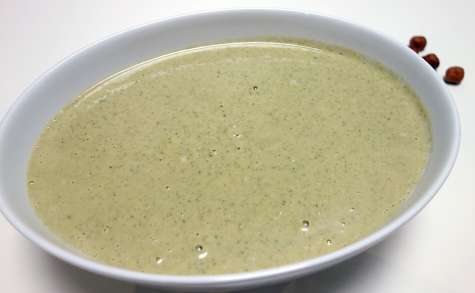 Soupe brocolis noisettes