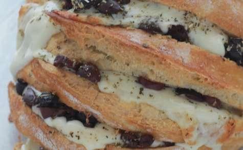 Pain à la mozzarella et aux olives