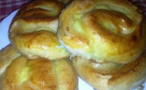 Petits pains à la crème pâtissière