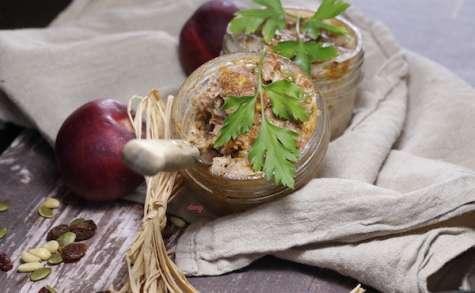 Terrines de canard aux nectarines et aux fruits secs