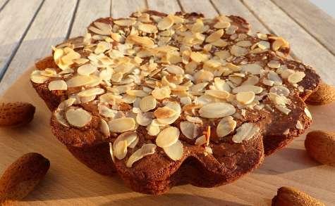 Gâteau sucré aux pommes de terre, amandes et oranges confites