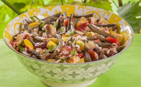 Salade de riz aux aubergines, courgettes, tomates et haricots verts