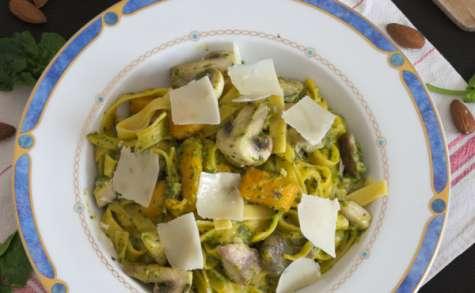 Les tagliatelles au potiron, champignons et pesto d'épinards
