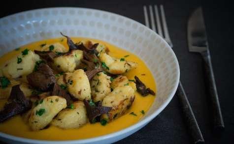 Käseknepfle aux champignons et à la crème de butternut