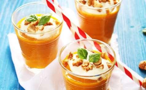 Gaspacho de carottes-orange-basilic, chantilly coco et cacahuètes caramélisées au sésame