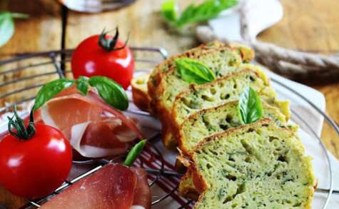 Cake léger aux courgettes et parmesan