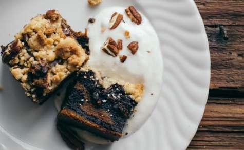 Crumble au potimarron, chocolat noir et noix de pécan
