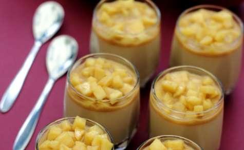 Panna cotta légère au caramel et pomme