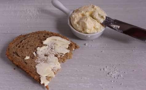 Beurre frais maison à la fleur de sel