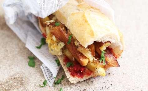 Sandwich frites, omelette et harissa