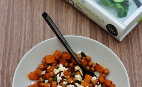 Salade de pois chiches, butternut rôtie et fêta à la vinaigrette au sumac