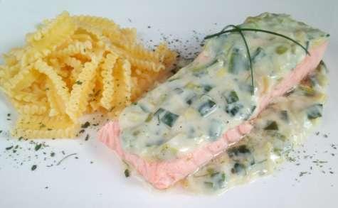 Pavé de saumon à la béchamel de poireaux