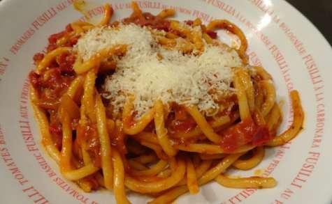 Pici à la sauce tomate