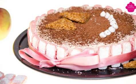 Entremets pommes caramel et biscuits roses