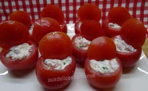 Tomates cocktail au fromage de chèvre frais et bacon