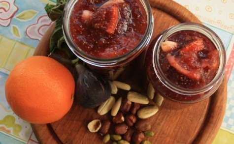Confiture de figues, oranges et amandes