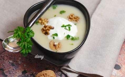 Velouté de chou fleur aux noix et espuma de Brillat Savarin