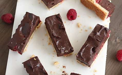 Sticks sablés chocolat framboise