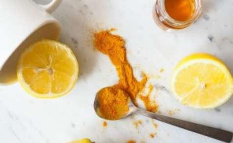 Boisson citron et curcuma