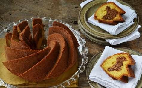 Cake fourré aux noisettes et sirop de dattes