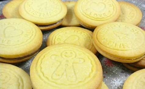 Biscuits de Noël fourrés à la pâte à tartiner