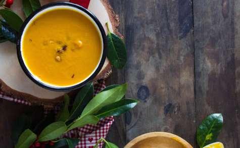 Velouté de potimarron, carottes et noisettes