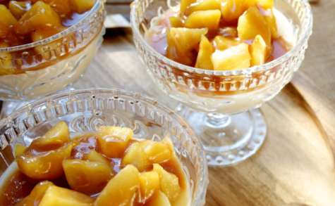 Panna cotta aux pommes et caramel de cidre