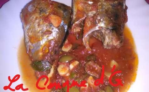 Dorade coryphène dans une fondue de tomates et olives