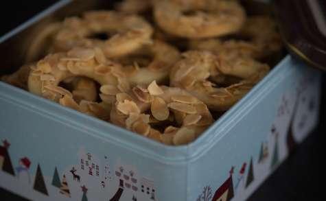 Biscuits de Noël à l'orange et aux amandes