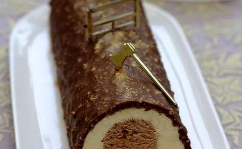 Bûche au praliné, noisettes et chocolat blanc
