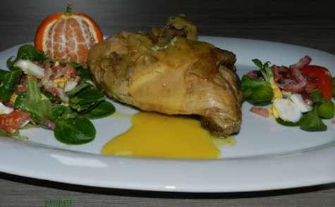 Salade composée d'oreilles de lièvre cuisse de poulet et sauce aux clémentines