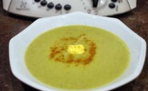 Velouté de brocolis, petit pois, curry