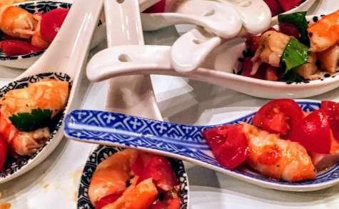 Crevettes marinées sur lit d'avocat